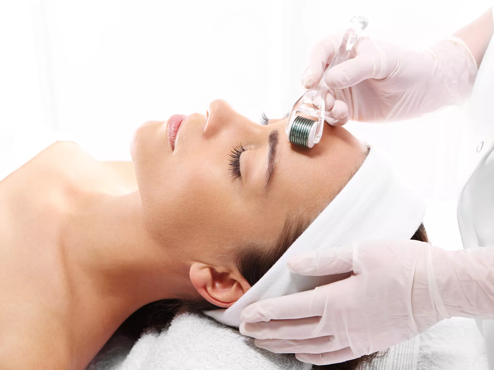 Derma Rolling and Microneedling therapy for Hair loss in Hyderabad, best hair transplant doctors near Boduppal